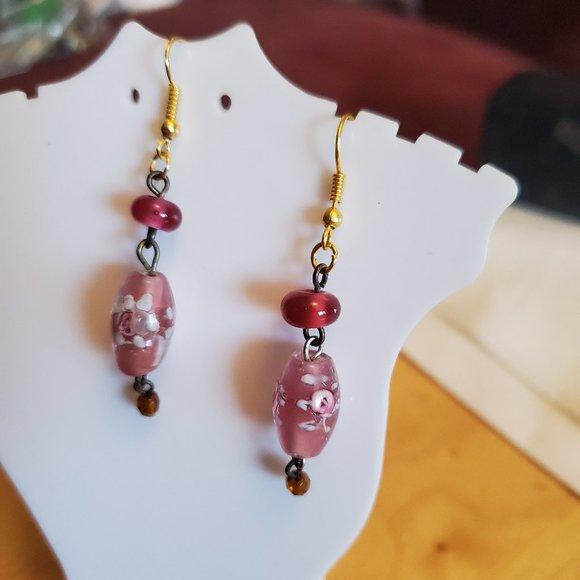 "1.5"" Gold Tone Floral Glass Bead Dangle Earrings"